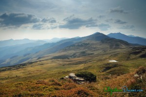 Great-views-over-the-higher-peaks-of-the-Rodnei-mountains