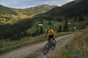 riding-in-rodnei-mountains