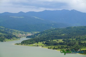 20. View over Colibita Lake